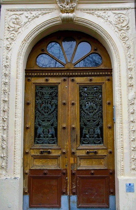 Paris rounded brown doors