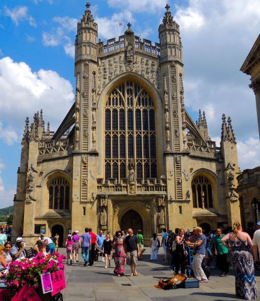 bath-abbey-in-the-square