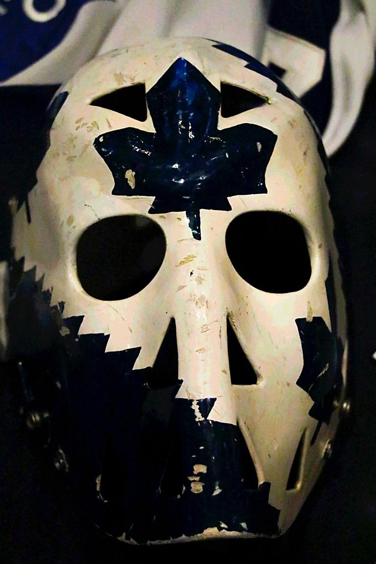 leaf-goalie-mask